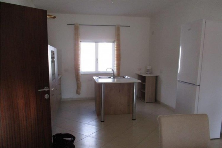 3 Bedroom Maisonette To Rent